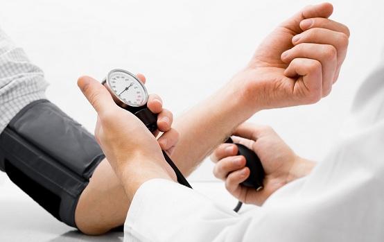 Yeh hai 8 vitamins aur minerals jo kaafi hai high blood pressure rokne ke liye