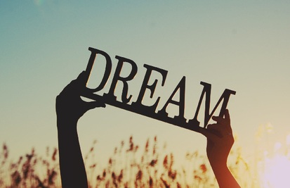 Top 11 dreams with meaning