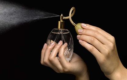 Did You Know Using Perfume Can Cause Cancer , जानलेवा कैंसर का कारण है रोजाना परफ्यूम लगाना